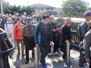 今年のふれあいウォーキングは10月28日(日)、灘五郷に決定。 @ 行先:灘五郷 集合:阪神 石屋川公園(駅南200m)