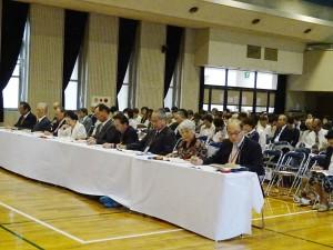 大会審査員と観衆DSC09150 (1)